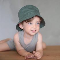 Zelen otroški klobuček z UV zaščito (UPF 50+) 0-1 leta – Duck Green, Nordic Label
